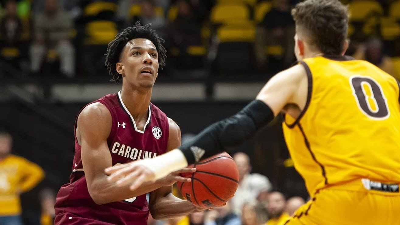 Wyoming comes back in second half to beat South Carolina - December 06, 2018